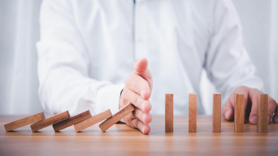 Leadership Disruption Hand